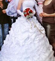 Продам свадебное платье, белое, размер 44-46