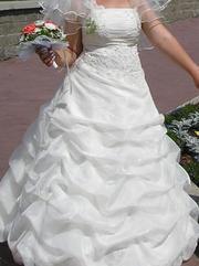 Продам свадебное платье .Привезённое из Парижа.